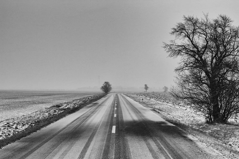 Winter driving checklist - what should you keep in your car?